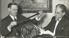 Curwood à droite : entre littérature et cinéma