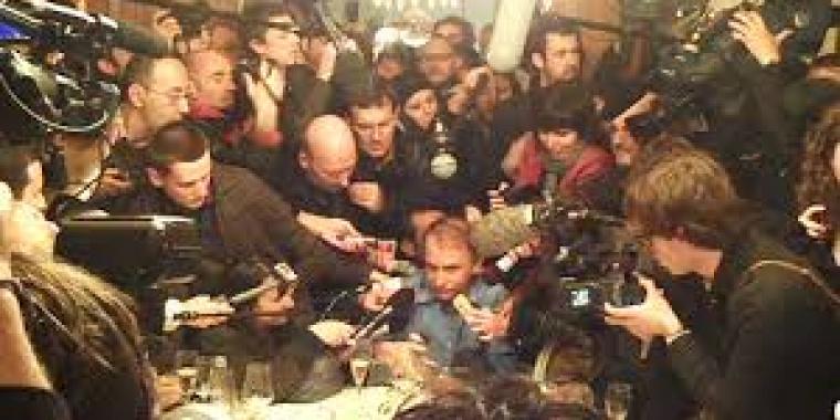 Scènes d'hystérie chez Drouant, madame monBestSeller, gouailleuse harangue les journalistes