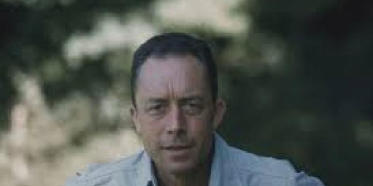 """Camus :"""" inventeur et praticien de l'absurde"""""""