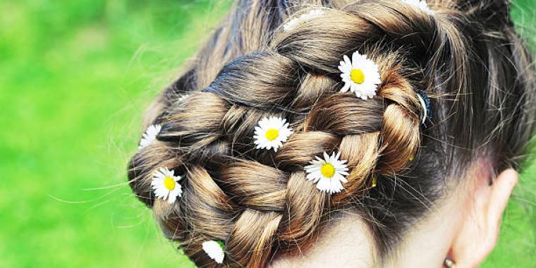 Un air de printemps dans les cheveux