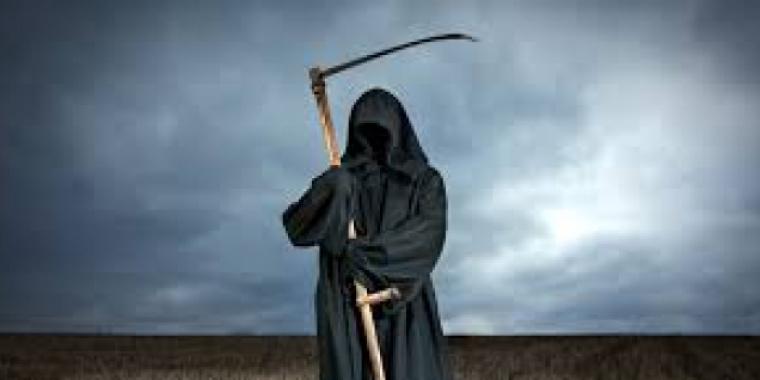 La mort ne faisait pas de discrimination. La grande faucheuse emportait les saints et les pécheurs d'un même revers de faux.- Tess Gerritsen